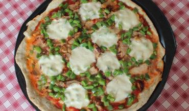 Pizza poulet grillé, poivron et mozzarella