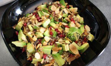 Salade de quinoa/boulgour, avocat et grenade (végan)