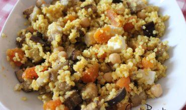 Salade de boulgour épicé, aubergine rôtie et abricots secs